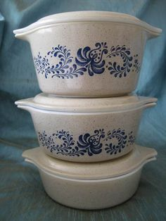 Vintage Pyrex Cinderella Homestead Nesting Mixing Casserole -have smallest with lid