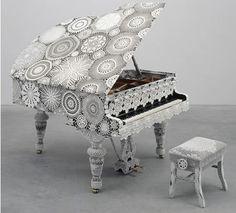 crocheted piano art ♥