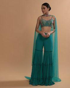 Diwali Outfits, Mehendi Outfits, Bridal Outfits, Gharara Designs, Lehenga Designs, Red Lehenga, Bridal Lehenga, Indian Dresses, Indian Outfits