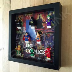 Lego DC Comics Black Display Frame With Minifigures - Side View