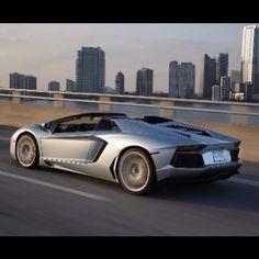 Lamborghini Aventador LP700 Roadster