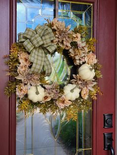 Beautiful elegant Fall wreath in soft green and cream colors. Elegant Fall Wreaths, Autumn Wreaths, Holiday Wreaths, Memorial Day Wreaths, Outdoor Wreaths, Twig Wreath, Fall Diy, Deco Mesh Wreaths, Summer Wreath