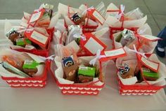 Lunches for Teddy Bear Picnic Party. Love the picnic basket Park Birthday, Picnic Birthday, 3rd Birthday Parties, Birthday Fun, Birthday Ideas, Kid Parties, Birthday Decorations, Teddy Bear Party, Teddy Bear Birthday