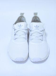 adidas NMD_R1 WHITE  22,000円(内税)