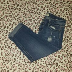 Distressed Capris Worn and washed a handful of times. No longer fit me! No flaws. Size 11. l.e.i. Jeans Ankle & Cropped