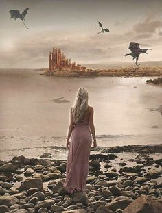 Daenerys Targaryen and the Dragons (Game of Thrones) Arte Game Of Thrones, Game Of Thrones Characters, Drogon Game Of Thrones, Game Of Thrones Artwork, Game Of Thrones Dragons, Daenerys Targaryen, Khaleesi, Winter Is Here, Winter Is Coming