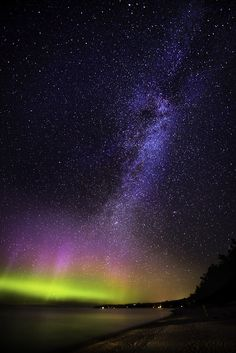 Exhibit A. Previous pinner: carpe caelum   leland, michigan by Lorenzo Montezemolo. Me: This is probably the original, un-messed-with picture. I still think the Milky Way is looking a tad too blue, but whatever.