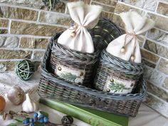 Одноклассники Recycled Magazines, Newspaper Basket, Recycling, Weaving, Diy, Home Decor, Paper Basket, Gifts, Basket Weaving