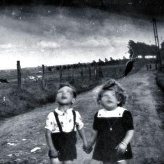 Les enfants ratés  photo by André Fromont, 2010.
