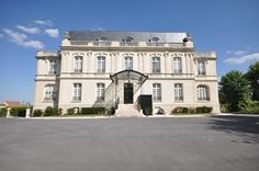 the Château de Rilly offers a service of exellence.
