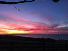 It just keeps getting better #sunset #geelong #bellarinepeninsula #houseofjack #portarlington by vampyress http://ift.tt/1JO3Y6G