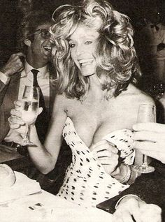 Farrah Fawcett @Mitchee LaPlante I totally feel like you can rock this same look!! MISS YOU MY WONDERFUL SISTER!! xo