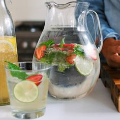 This Lemon Lime tonic is filled with citrus juice, which is super alkalising and helps detox your liver. We'll take one of those over Christmas! - I Quit Sugar Christmas Lunch, Vegan Christmas, Christmas Recipes, Christmas Ideas, Yummy Drinks, Healthy Drinks, Healthy Recipes, Healthy Foods, Lime And Tonic