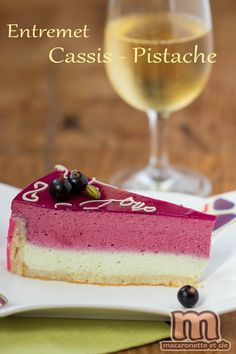 Entremets Cassis - Pistache - Macaronette et cie