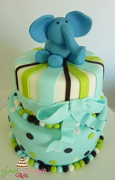 Elephant Birthday Cake..Would love something like this for Carters 1st Birthday!!