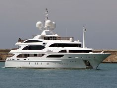 "The 59-meter ""I Dynasty"" yacht"