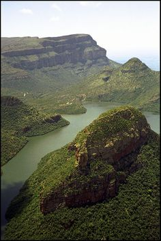 BLYDE RIVER CANYON - Hazyview, Mpumalanga. BelAfrique - Your Personal Travel Planner - www.belafrique.co.za African Countries, Countries Of The World, Marloth Park, Travel Planner, Africa Travel, Continents, Cool Places To Visit, South Africa, Paisajes