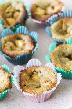 Smarriga LCHF Lowcarb sötsaker / desserter - 56kilo.se - Recept, inspiration och livets goda Lchf, Fika, Bread Baking, Granola, Paleo, Gluten Free, Juni, Sweets, Snacks