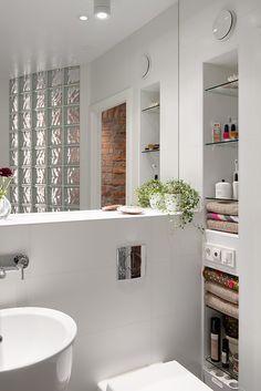 Wall mounted toilet, white tiles, large mirror | alvhemmakleri.se