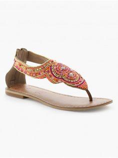 Sandales plates détails perles et sequins