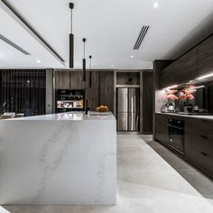 5131 Calacatta Nuvo™ by Caesarstone House Design, Kitchen Room Design, Home, Contemporary House Design, Home Renovation, Custom Homes, London House, Caesarstone, Modern Kitchen Design