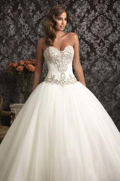 sweetheart tulle ball gown sleevelesswedding dress