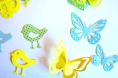 Totens, nas cores que vc escolher .Passarinhos e borboletas. O valor refere-se a unidade. R$ 1,00