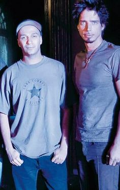 Tom Morello, Chris Cornell, Mens Tops, T Shirt, Pictures, Fashion, Supreme T Shirt, Photos, Moda