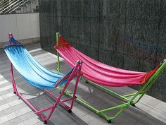 TOYMOCK : TOYMOCK 折りたたみ式ハンモック Outdoor Chairs, Outdoor Furniture, Outdoor Decor, House By The Sea, Hammock Stand, Swinging Chair, Butterfly Chair, Diy Chair, Sun Lounger