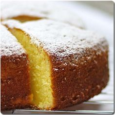Recipes-Very varied-Easy-Economic: Spongy vanilla cake - Recipes-Very varied-Easy-Economic: Spongy vanilla cake Recipes-Very varied-Easy-Economic: Spongy va - Portuguese Desserts, Portuguese Recipes, Pan Dulce, Other Recipes, Sweet Recipes, Cake Cookies, Cupcake Cakes, Cupcakes, Patisserie Sans Gluten