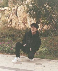 Find images and videos about kpop, idol and Ikon on We Heart It - the app to get lost in what you love. Kim Hanbin Ikon, Ikon Kpop, Chanwoo Ikon, Taeyong, Bobby, Ikon Leader, Ikon Debut, Ikon Wallpaper, Hip Hop