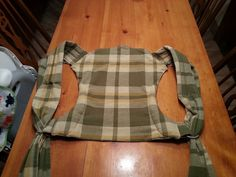 Today's project is my first onbu but my 11th diy carrier at this point. I am not a professional seamstress I do no sell my carriers. I have simply combined things I have found in other tutori…