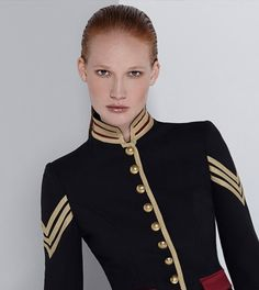 Limited Edition Women's blazers and jackets. Jackets Made in Spain for women THEEXTREME COLLECTION Military Chic, Military Style Jackets, Blazer Jackets For Women, Military Looks, Military Jacket, Military Inspired Fashion, Military Fashion, Elle Fashion, Womens Fashion
