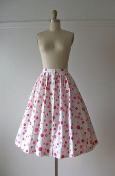 vintage 1950s cotton skirt / Berry Bubbles