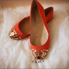 Zara Flats Zara flats in bright red orange color with golden medal emboss. They are easy to match any style, like jeans, shorts, skirts and dresses. They are also comfortable for walking . Only wore couple times and store in dusty bag. Zara Shoes Flats & Loafers