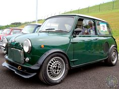 HAPPY HUMP DAY MINIACS! Gonna start with a WHEELS WEDNESDAY post this week. Check out these wicked rims on this Twini Mini. They are like Pepperpots gone mad! Love em Have a great day folks