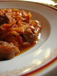 Almost Turkish Recipes: Cabbage Stew with Beef (Etli Kapuska)