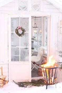 kesähuone, kasvihuone, vanhat ikkunat, talvipuutarha, tulikori, greenhouse