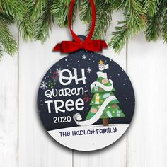 Personalized Christmas Ornaments, Diy Christmas Ornaments, Christmas Tree Decorations, Christmas Holidays, Christmas Bulbs, Funny Ornaments, Christmas Arts And Crafts, Holiday Crafts, Perfect Christmas Gifts