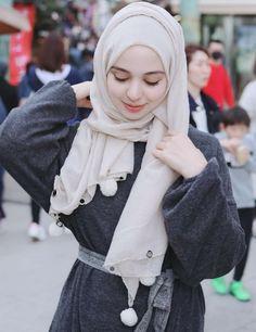 💜#AF!!! Hijab Style Dress, Hijab Chic, Hijab Outfit, Arab Girls Hijab, Muslim Girls, Hijabi Girl, Girl Hijab, Beautiful Muslim Women, Beautiful Hijab
