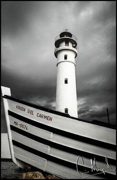 La Barca y el Faro by Luis Miguel Rodriguez Lorenzo, via 500px