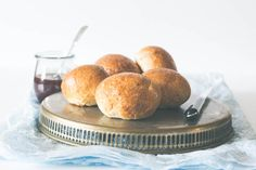 These easy to make Cardamom Buns (CARDAMOM BREAD ROLLS) are perfect when served with some hot chocolate. You really want to pin these.
