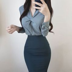 latest winter business outfits ideas for woman in your office 17 ~ thereds…. latest winter business outfits ideas for woman in your office 17 ~ thereds. Korean Outfits, Mode Outfits, Office Outfits, Dress Outfits, Fashion Dresses, Ladies Outfits, Secretary Outfits, Mode Lolita, Classy Work Outfits