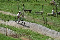 Un poco de bici.  www.irrisarriland.es