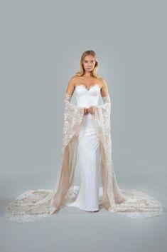 Mark Zunino colección novias Otoño 2020 : Fiancee Bodas Lace Ball Gowns, Tulle Ball Gown, Tulle Dress, Lace Dress, Mark Zunino Wedding Dresses, Bridal Wedding Dresses, Minimalist Wedding Dresses, Floral Gown, Column Dress