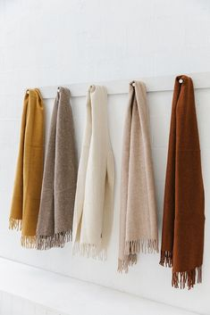 Pampa scarves, beautiful earthy tones live these scarves Earth Tone Colors, Earth Tones, Earthy Color Palette, Earthy Colours, Colour Palettes, Earthy Home Decor, Diy Casa, Colour Board, Color Pallets