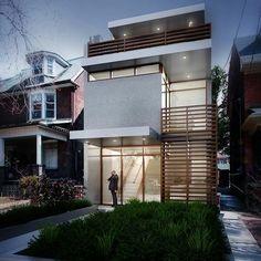 Fachada de casa com sacada em madeira ripada. Vidro, e acabamento branco complementam.