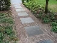 Afbeeldingsresultaat voor oprit bestrating tips Garden Paving, Terrace Garden, Garden Paths, Backyard Walkway, Backyard Garden Design, Patio Garden Ideas On A Budget, Provence Garden, Small Front Gardens, Dream Garden