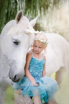 Unicorn , Magic, Pittsburgh, tutu du monde, Dreams, fairytale, white horse, magical www.pamelasalaiphoto.com