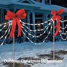 Of all the home businesses out there, Christmas Light Installation businesses may be one of the best kept secrets around. Most people think of hanging Christmas lights as a low paying, low potential, grunt work job, and therefore they Best Outdoor Christmas Decorations, Christmas Lights Outside, Hanging Christmas Lights, Xmas Lights, Decorating With Christmas Lights, Holiday Lights, Outdoor Christmas Light Displays, Chrismas Lights Outdoor, Christmas Pathway Lights